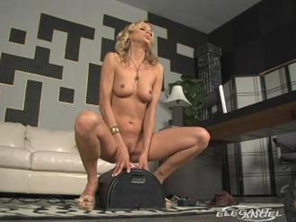 It's A Mommy Thing! 3 Clip 4 01:31:40